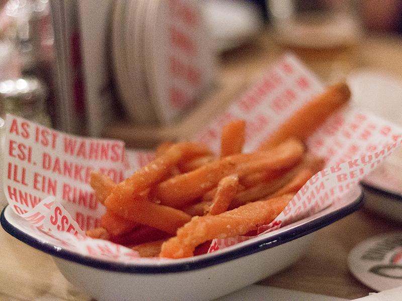 Süßkartoffel-Fries um € 3,80